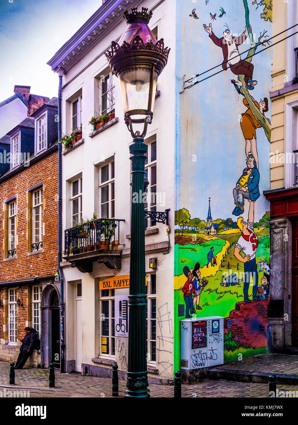 Bélgica. Fachada 'BD' (Comics) en la pared de la calle Saint Géry, Bruselas. Imagen De Stock