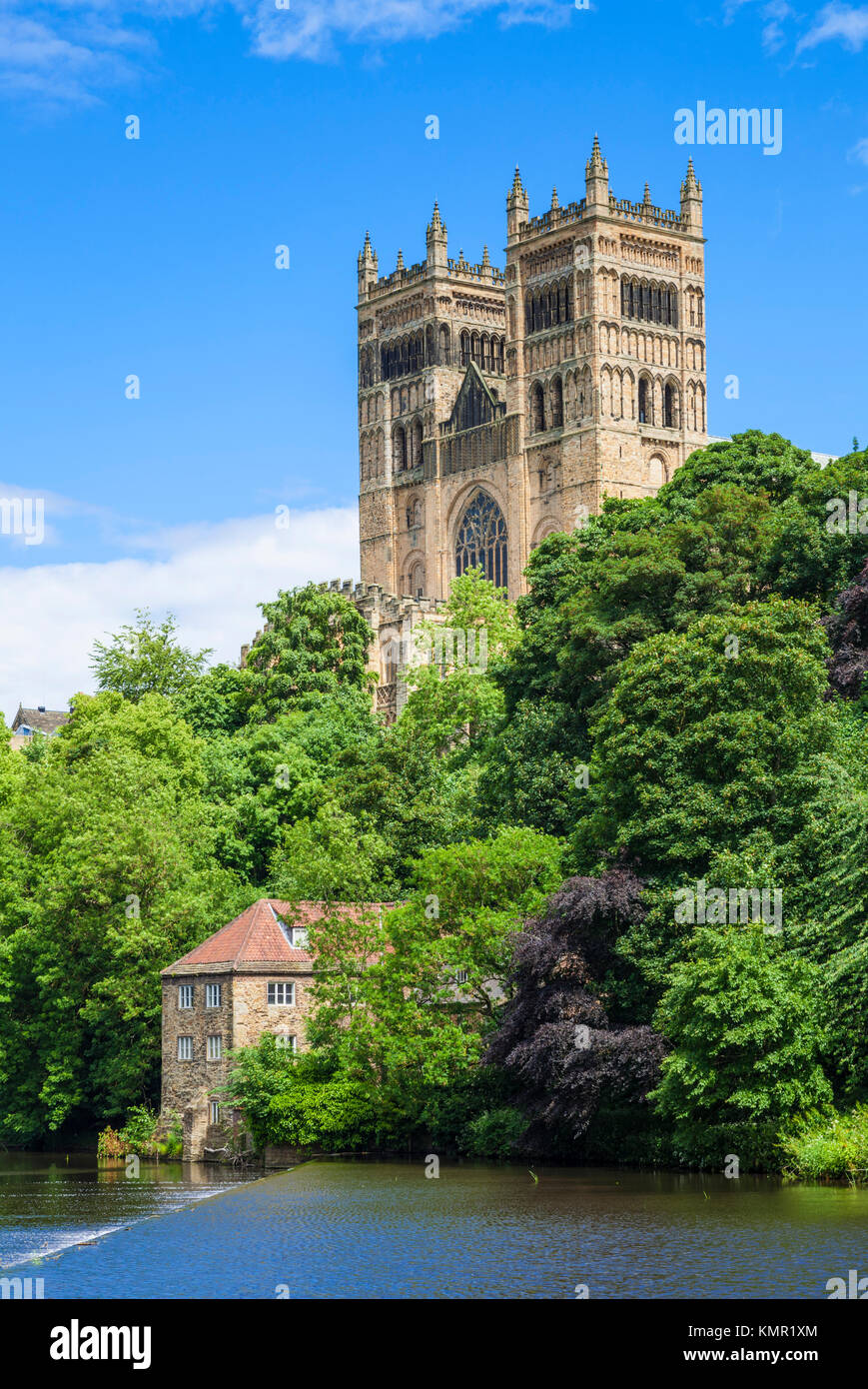 Inglaterra Inglaterra la catedral de Durham durham fachada río arriba desgaste County Durham durham Inglaterra Imagen De Stock