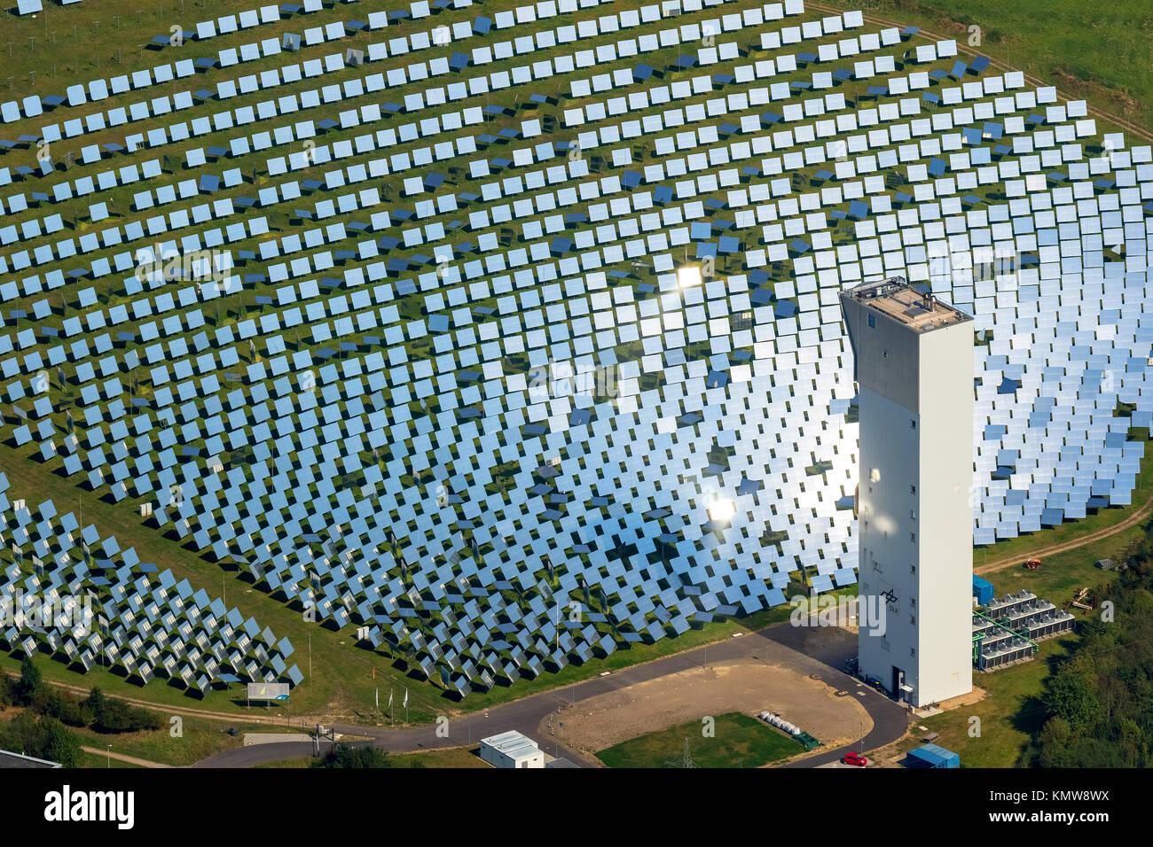 Planta de energía térmica solar experimental Jülich, horno solar, espejos, espejos solares, Jülich, Jülich-Zülpicher Börde, Renania, Renania del Norte-Westfalia. Foto de stock