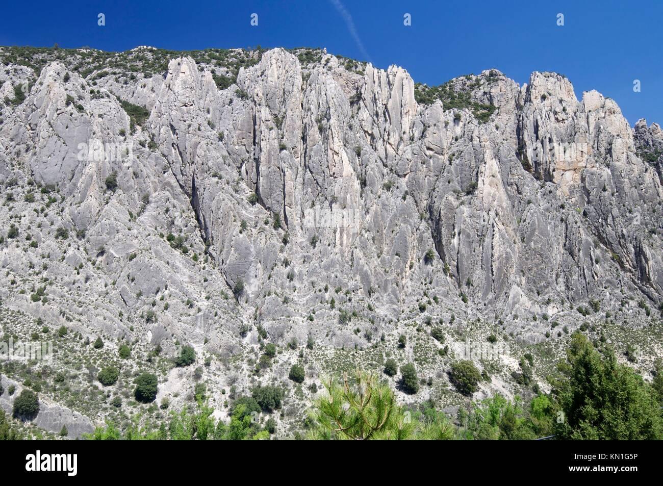 Montañas conocidas como Organo de Montoro, Montoro de Mezquita, el Maestrazgo, Teruel, Aragón, España. Imagen De Stock