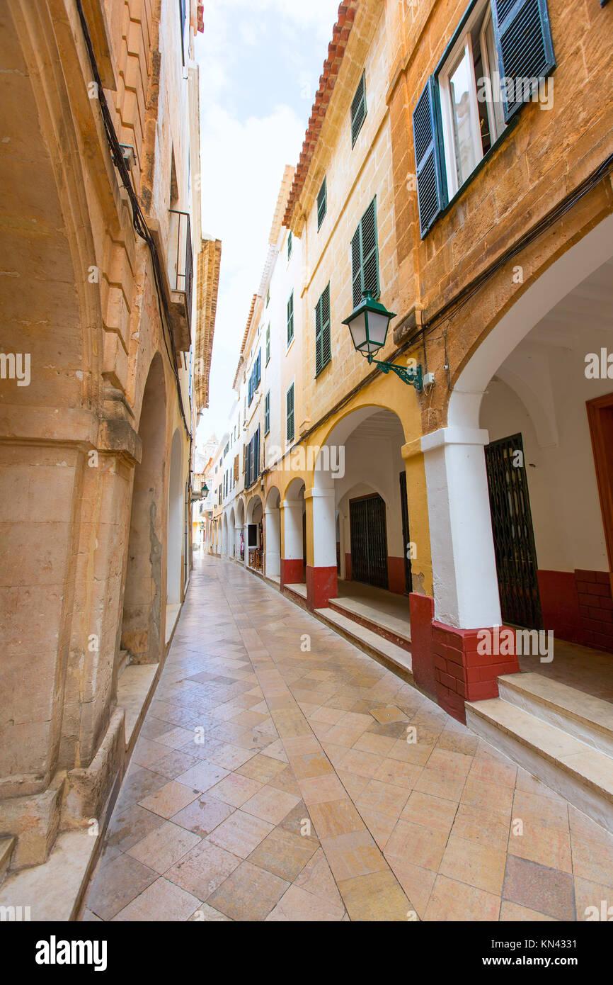 Ciutadella de Menorca Ciudadela arcos Ses Voltes downtown en Baleares. Imagen De Stock
