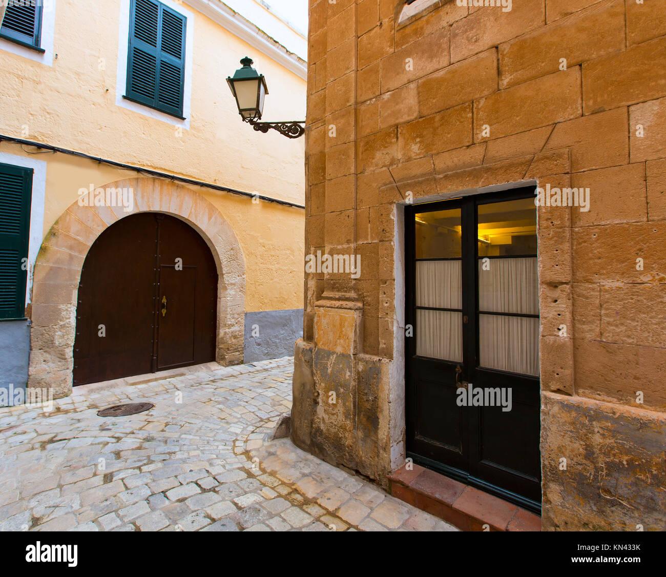 La histórica ciudad de Ciutadella de Menorca en las islas Baleares. Imagen De Stock