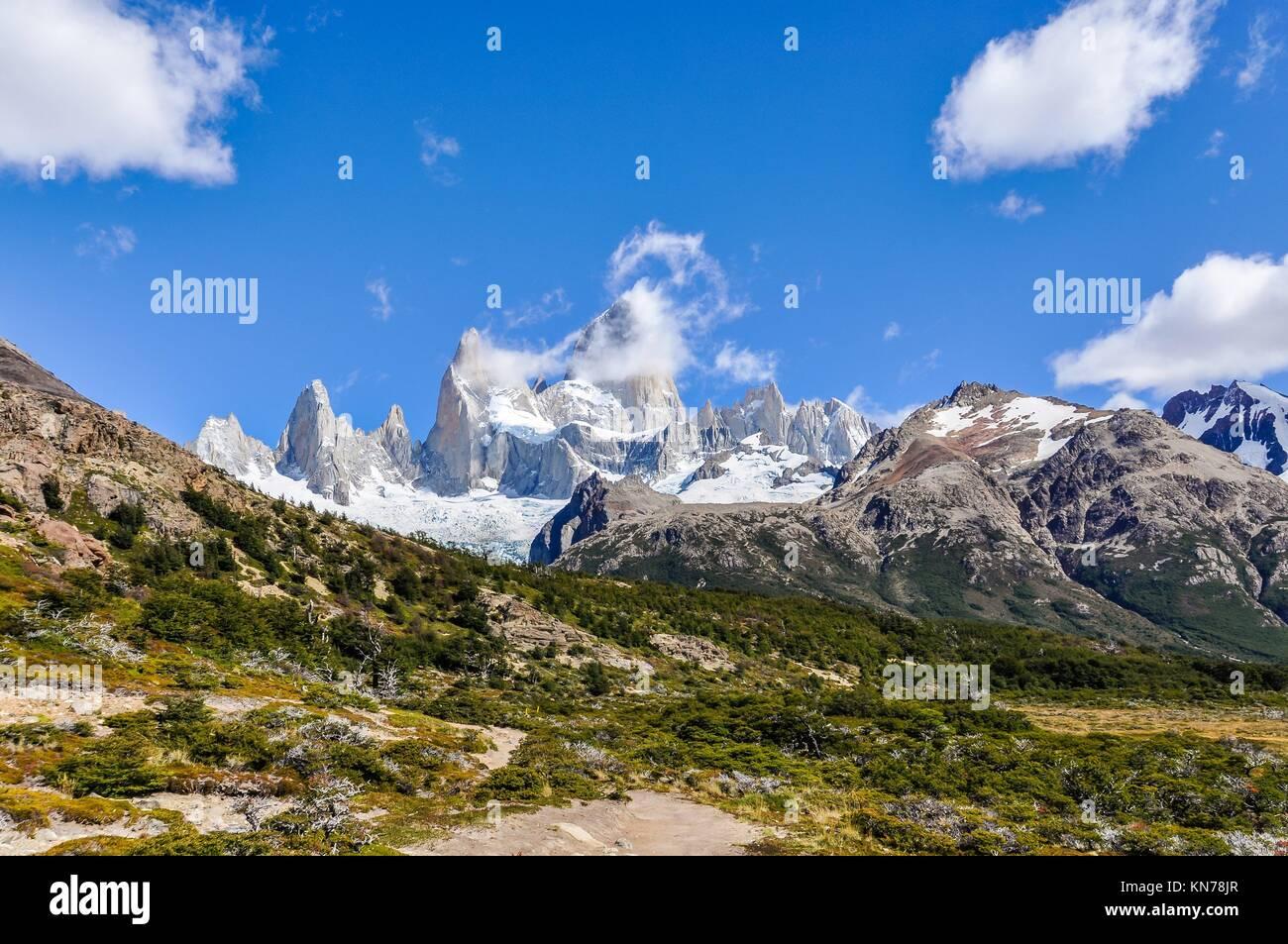 Vista de los picos, Paseo de Fitz Roy, El Chalten, Patagonia, Argentina. Foto de stock