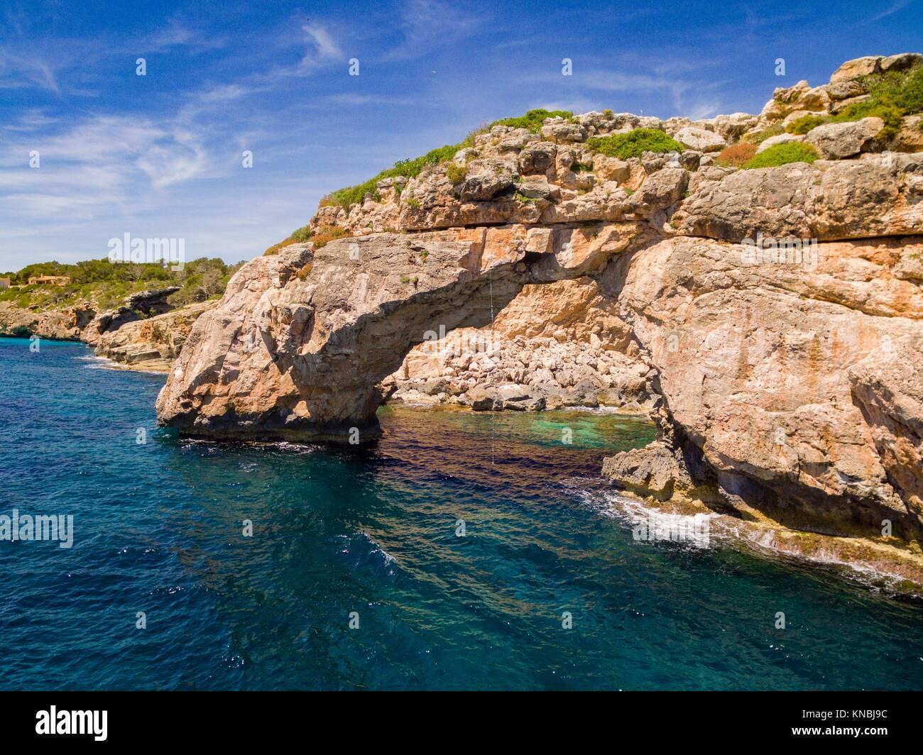 es pontas arco natural de roca santany mallorca islas