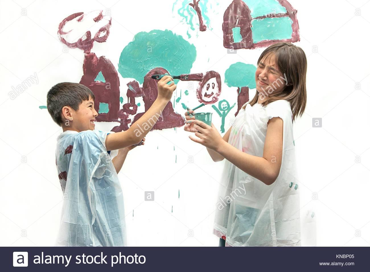 Painting A Picture Imágenes De Stock & Painting A Picture Fotos De ...