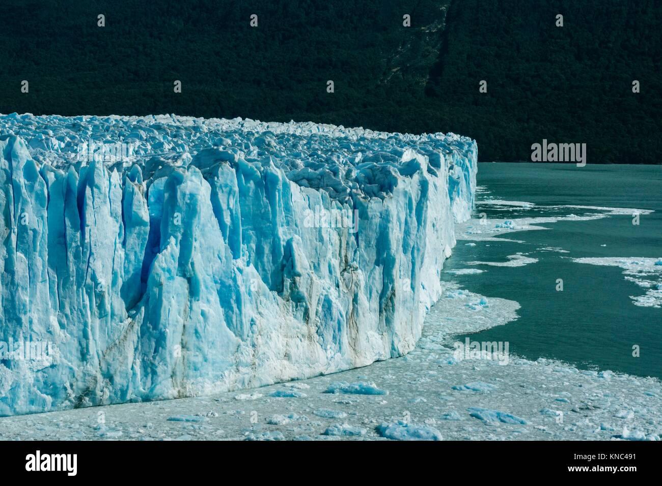 Glaciar Perito Moreno, Parque Nacional Los Glaciares, departamento Lago Argentino, provincia de Santa Cruz, Patagonia Imagen De Stock