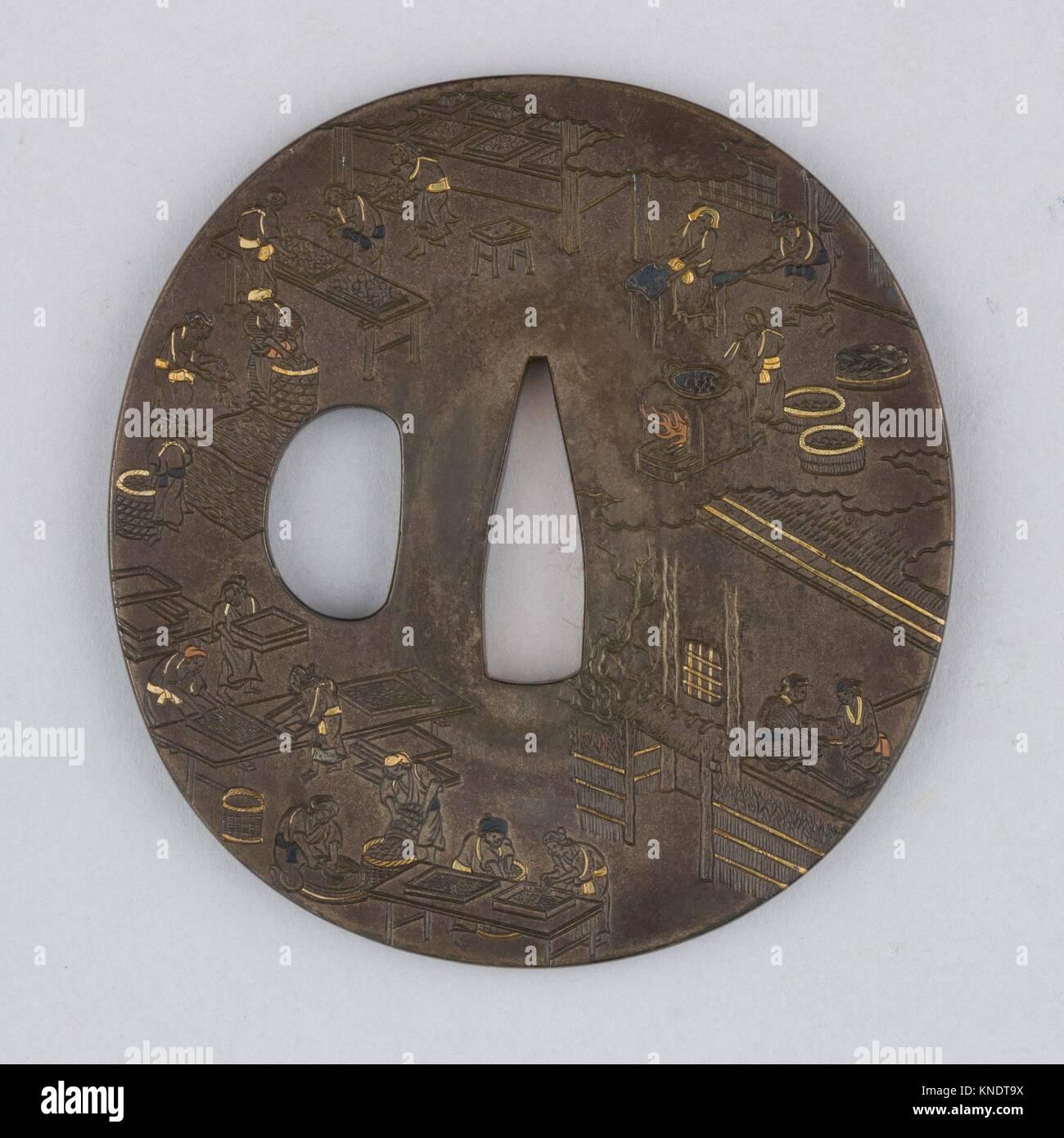 Espada guarda (Tsuba). Fecha: Siglo XVIII; Cultura: Japonés; Media: aleación de cobre y plata (shibuichi), Imagen De Stock