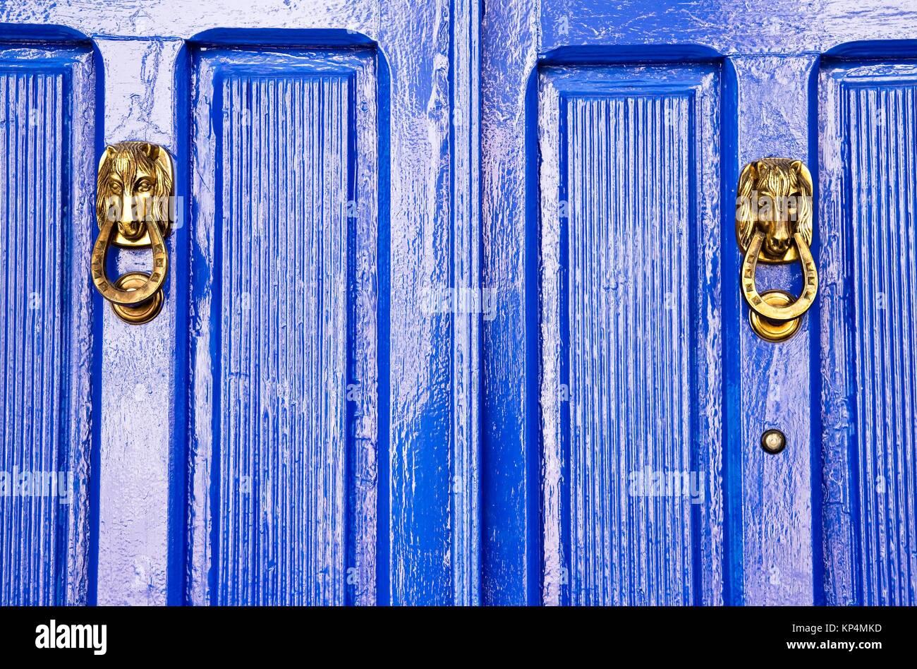 Detalle de una puerta en una casa de Almagro - Ciudad Real - Castilla La Mancha - España - Europa. Imagen De Stock