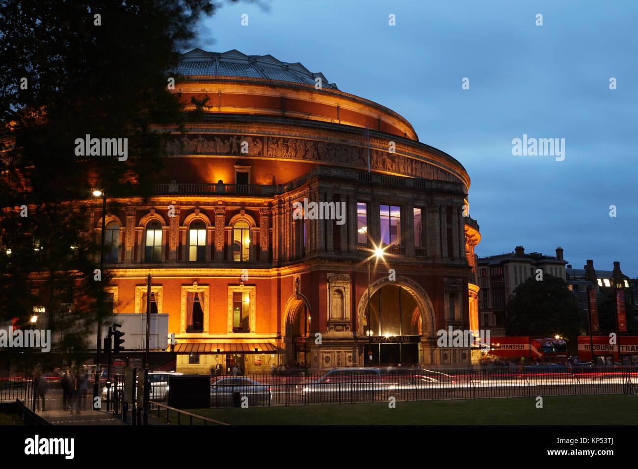Royal Albert Hall, Londres, Inglaterra, Gran Bretaña; reja Kensington. Imagen De Stock