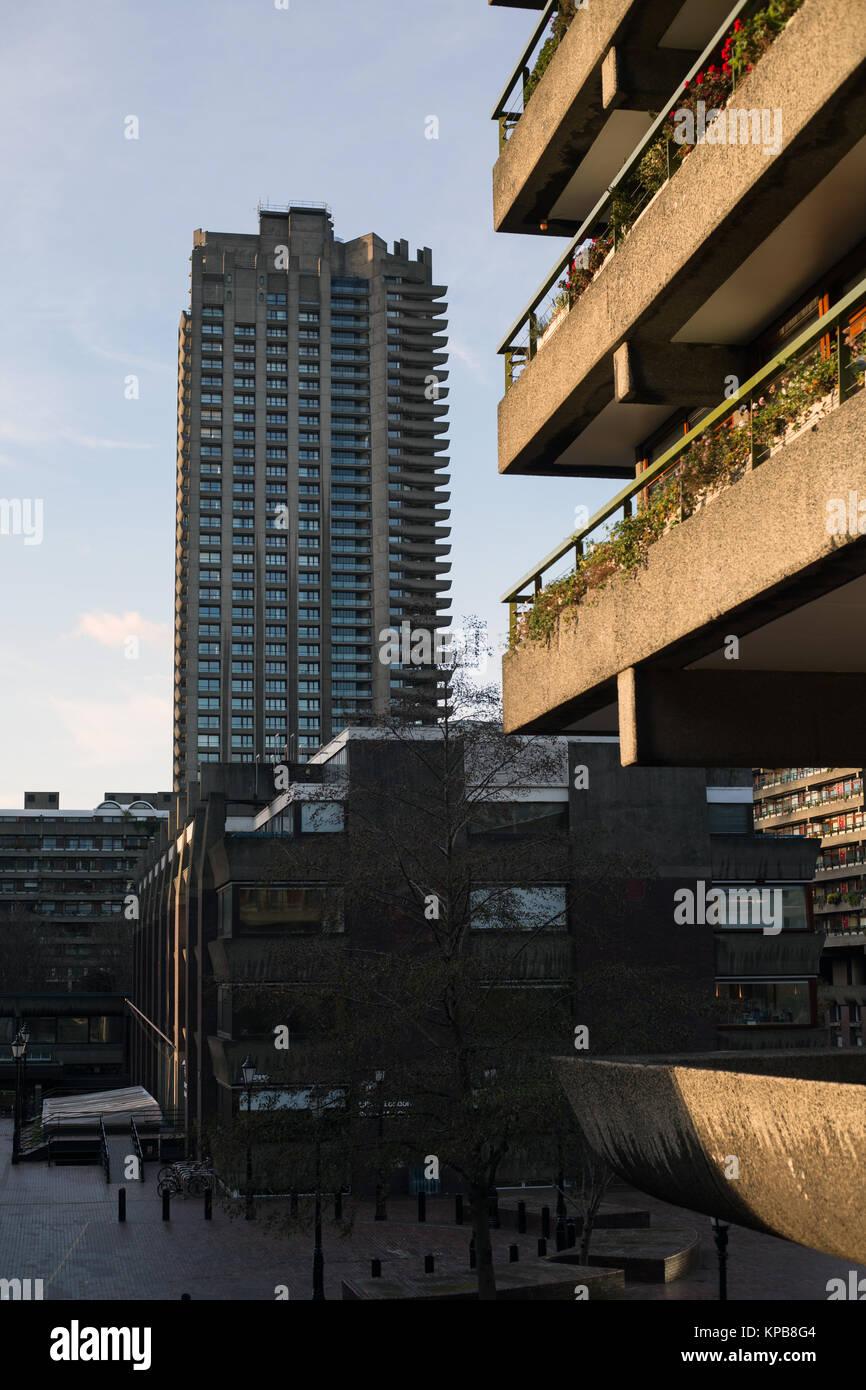 El Barbican, Londres, Inglaterra. Foto de stock