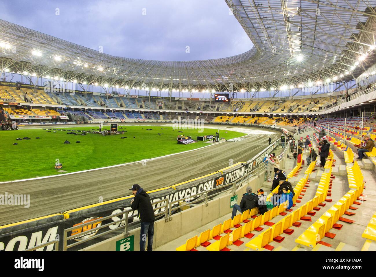 Speedway partidarios en el Motoarena Torun, Polonia para el polaco speedway grand prix Imagen De Stock