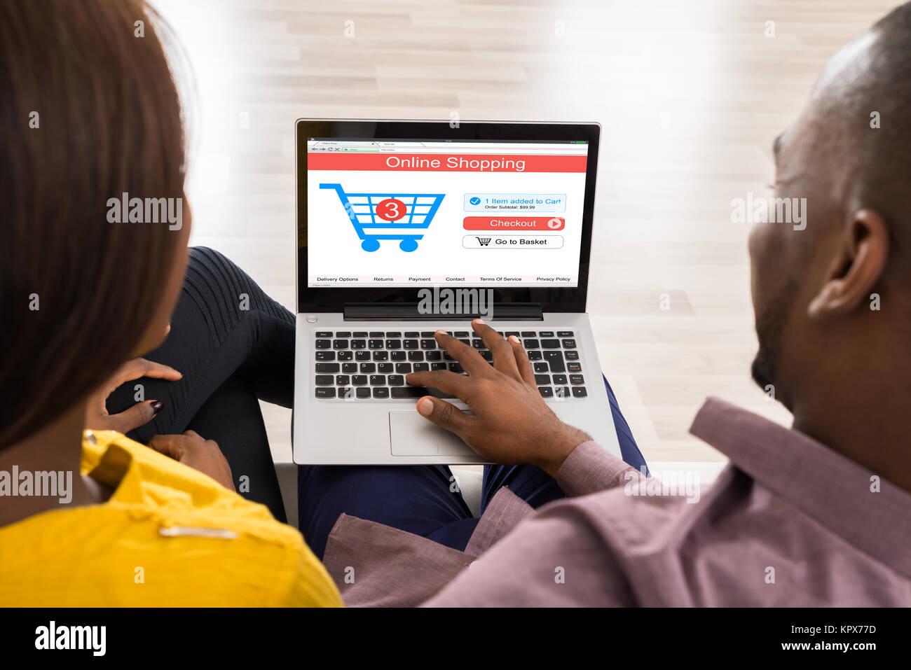 Par realizar compras online Foto de stock