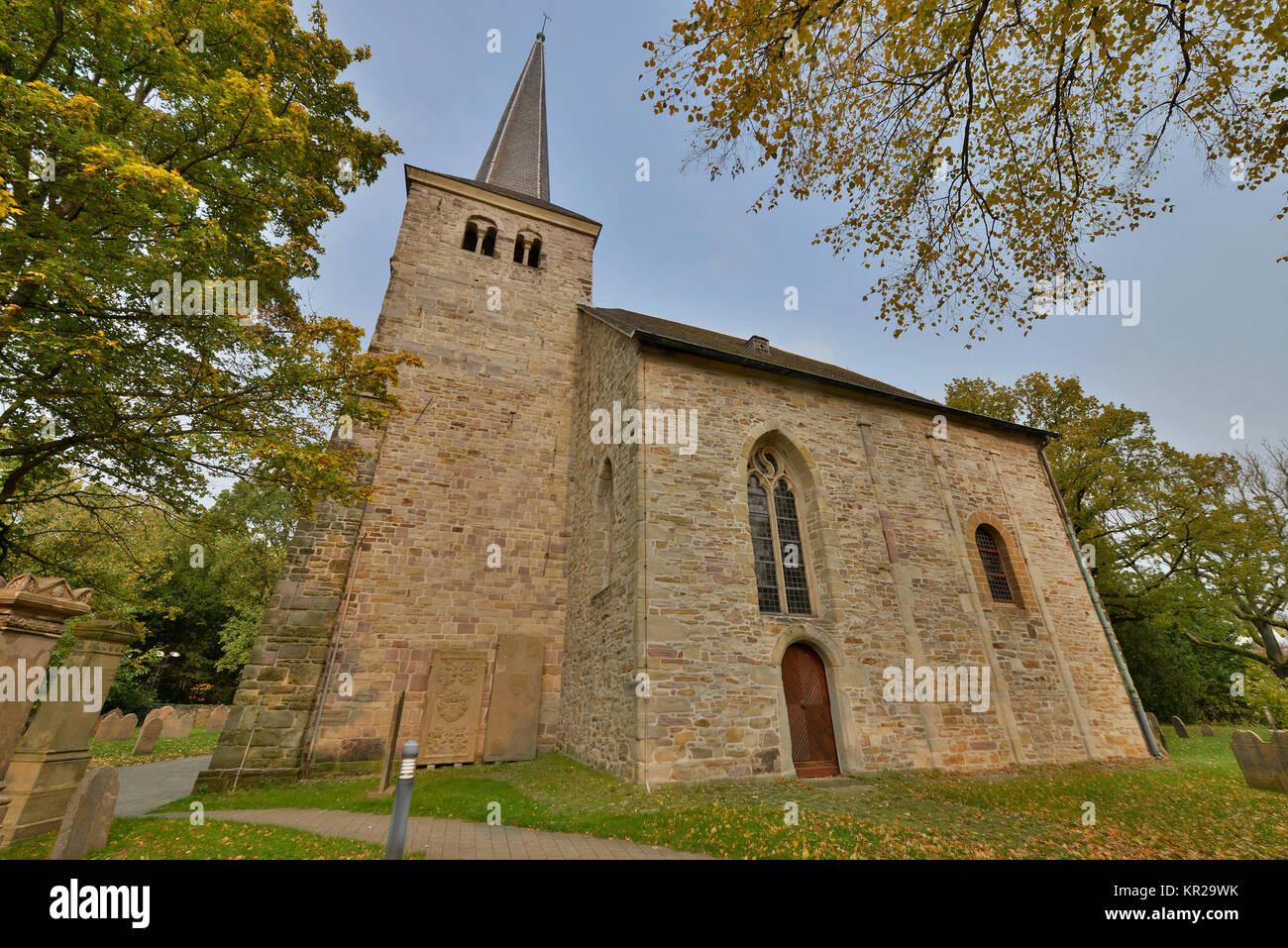 Iglesia de pueblo Stiepel, Brockhauser street, Stiepel, Bochum, Renania del Norte-Westfalia, Alemania, Dorfkirche Stiepel, Brockhauser Strasse, Nordrhein-Westf Foto de stock