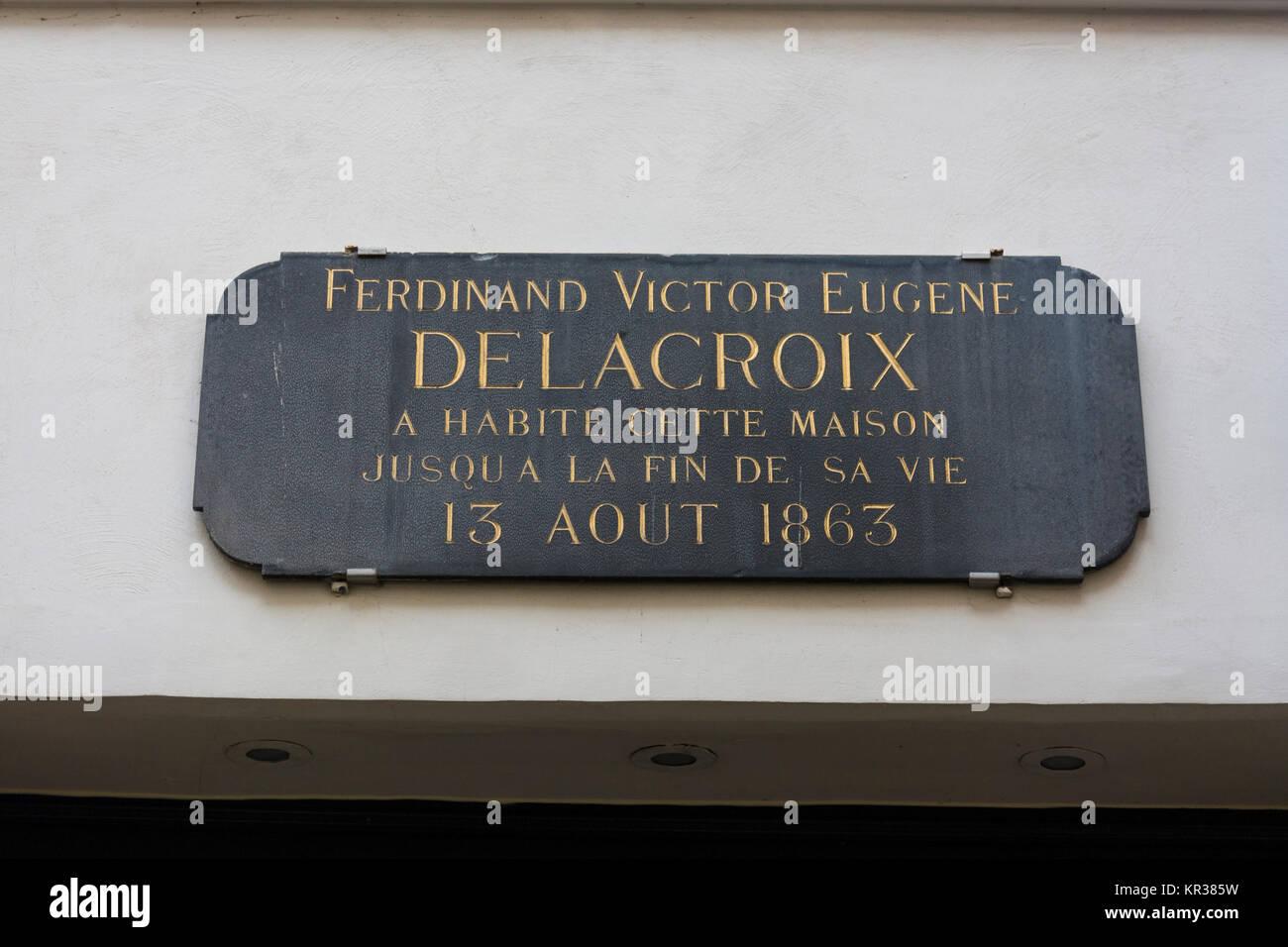 La placa sobre la puerta del Museo nacional Eugène Delacroix (Museo nacional Eugène Delacroix), París, Francia Foto de stock