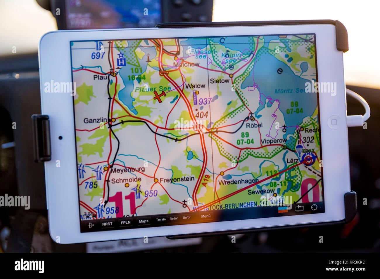 La navegación aérea, GA, aviación general, navegación GPS en un IPad mini con SkyMap, cinco Imagen De Stock