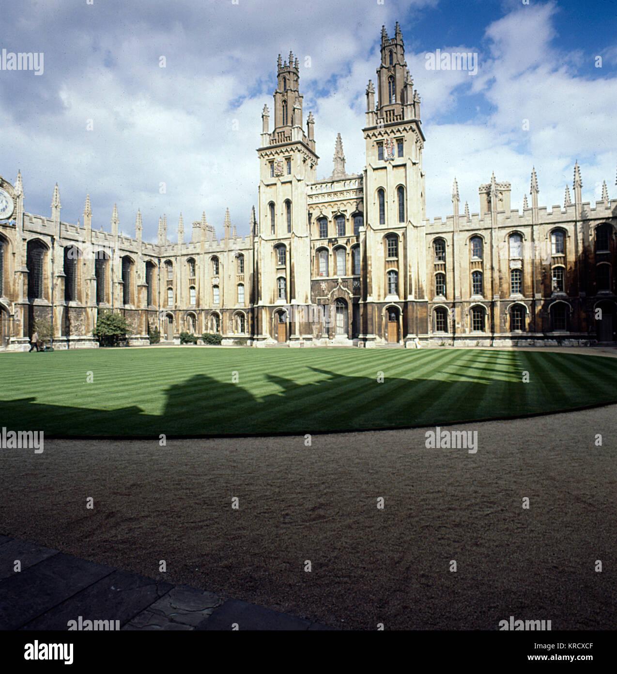 El Colegio de todas las almas de los Fieles Difuntos fue fundada por Henry VI y Henry Chichele (Fellow del New College, Imagen De Stock