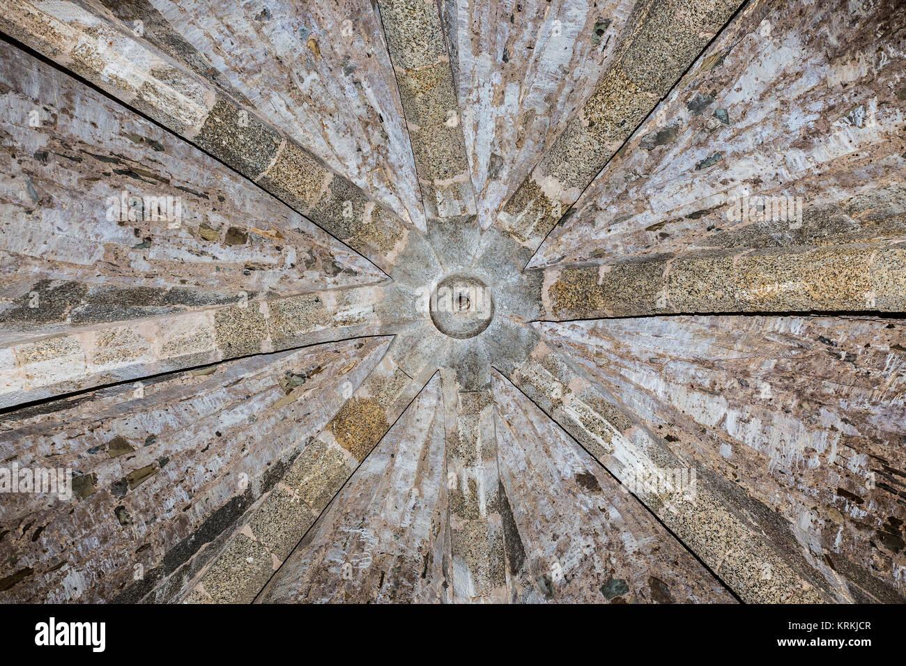 Detalle de la cúpula medieval Foto de stock