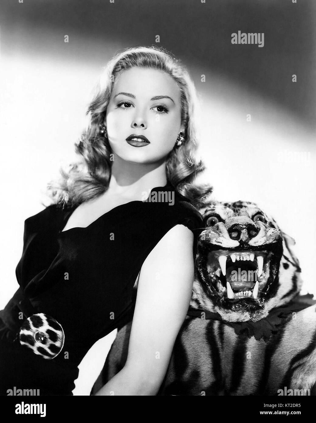 Famosos internacionales de ascendencia española Adele-mara-el-tigre-mujer-1945-kt2dr5