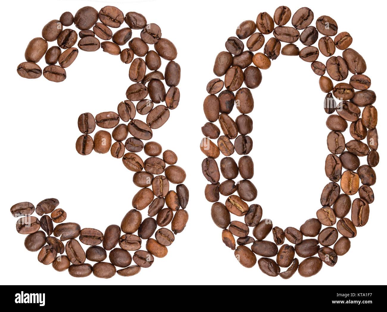 Arábigos, 30, 34, de los granos de café, aislado sobre fondo blanco. Imagen De Stock