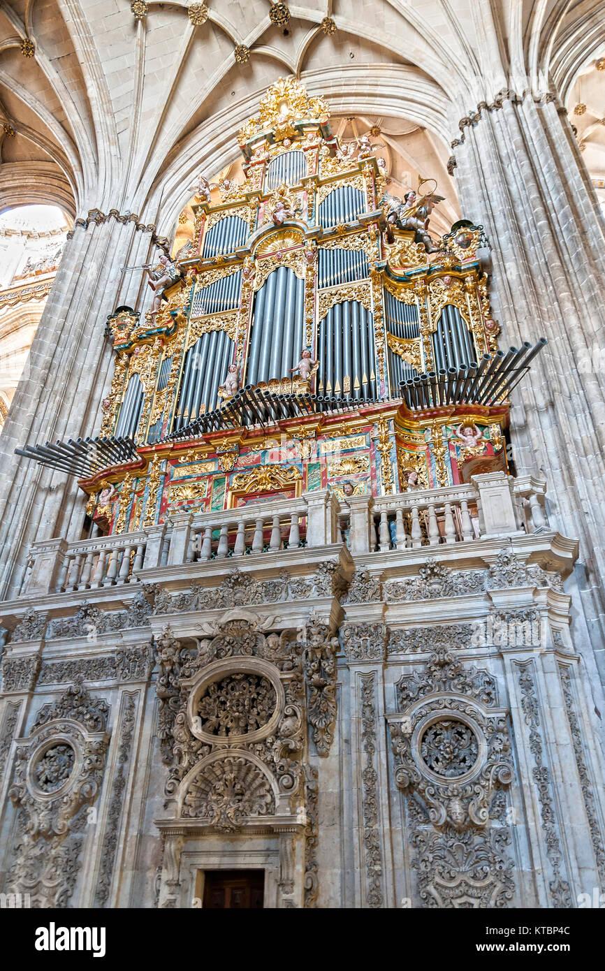 Órgano de la Catedral Nueva de Salamanca. Ciudad Patrimonio de la Humanidad. Castilla y León. España Imagen De Stock