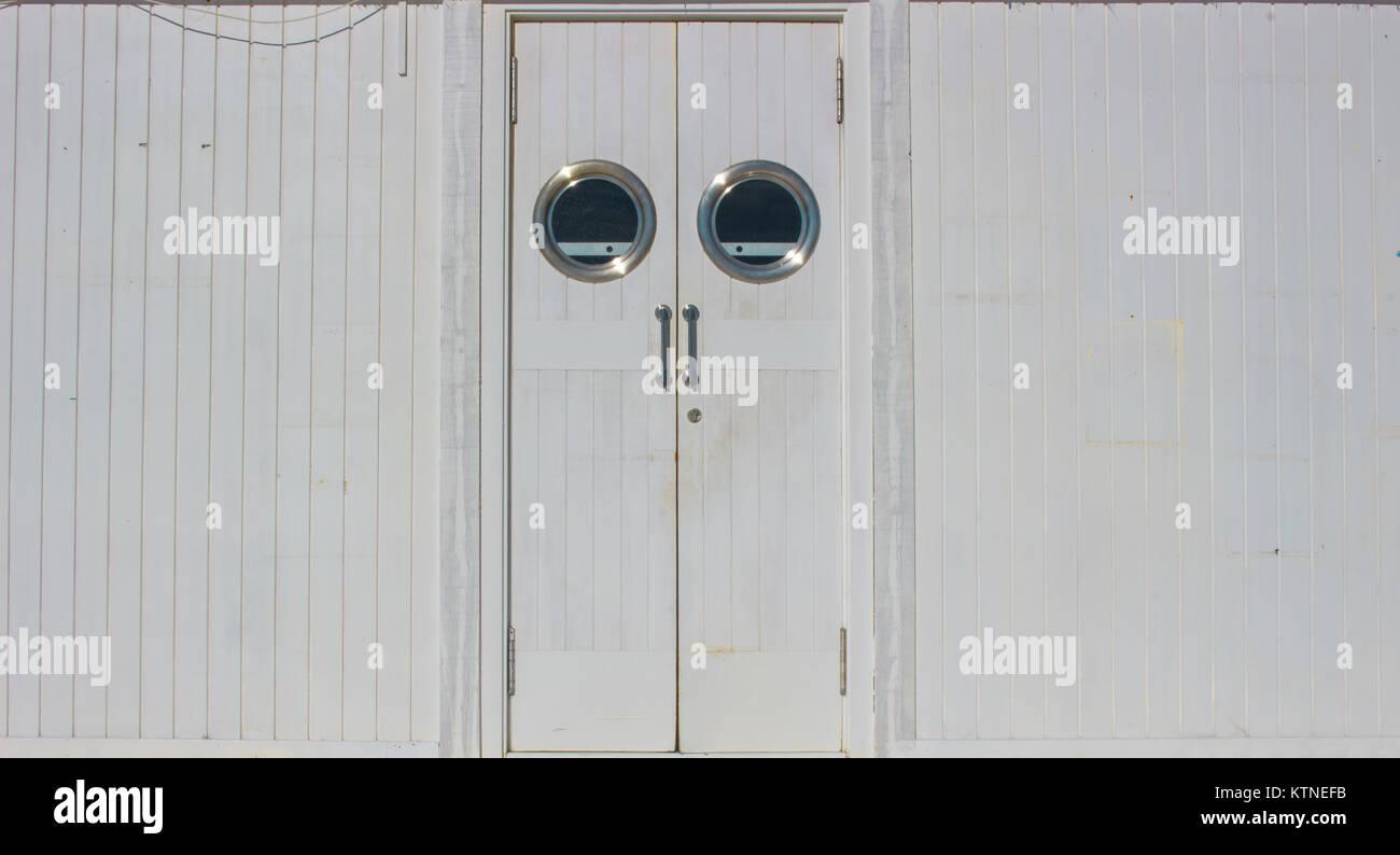 Puertas de cocina blancas gallery of puertas lacadas - Puertas plegables bricomart ...