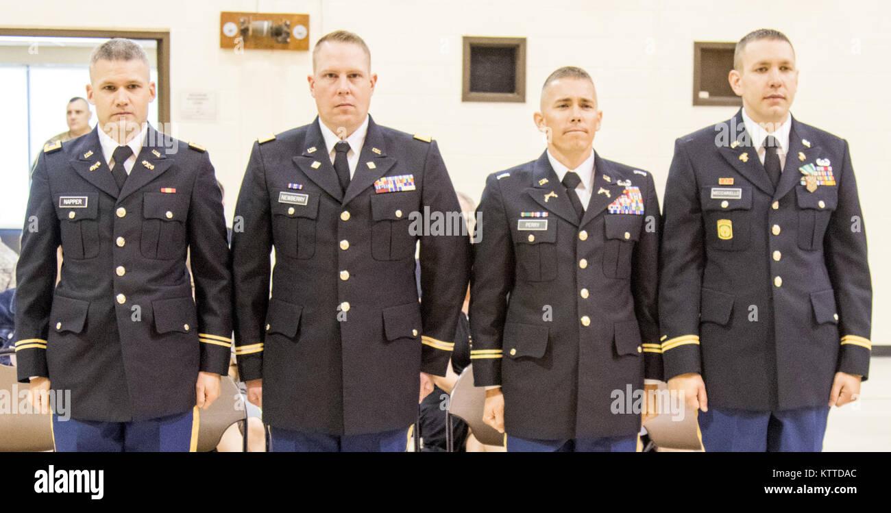 el subteniente del ejército estadounidense nathan napper izquierda