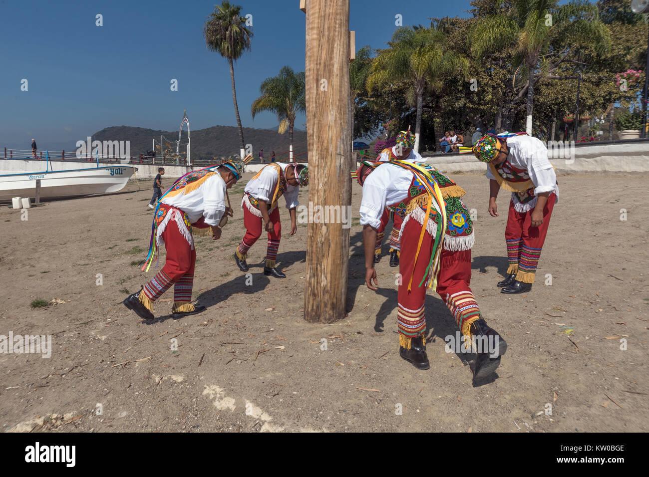 A partir de la Danza de los Voladores, Malecon, Chapala, México Imagen De Stock