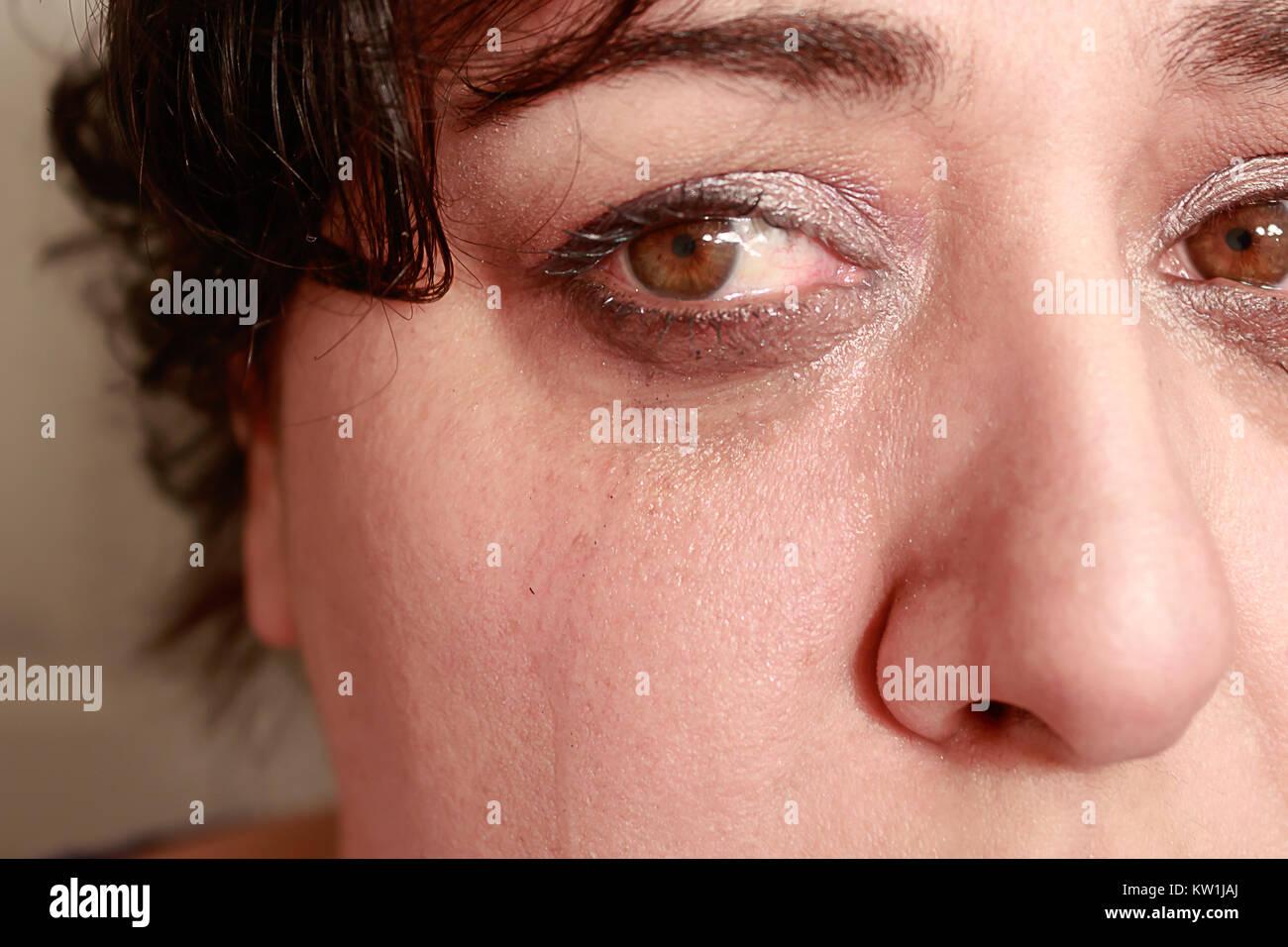 El llanto en los ojos de mujer Imagen De Stock