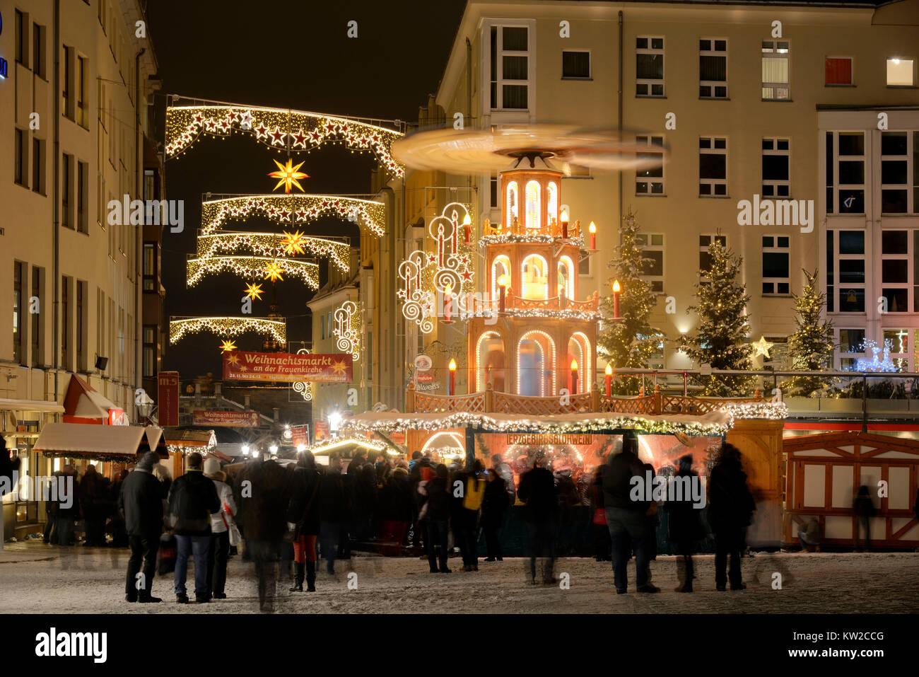Dresden, Feria de Navidad coin Lane en la Iglesia de Nuestra Señora, an der Frauenkirche Münzgasse Weihnachtsmarkt Imagen De Stock