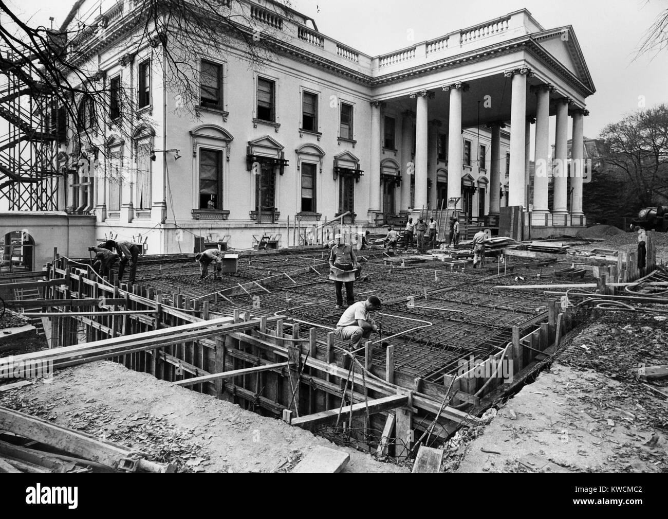 Renovación de la Casa Blanca durante la administración Truman. Vista de la esquina noreste de la Casa Blanca durante Foto de stock