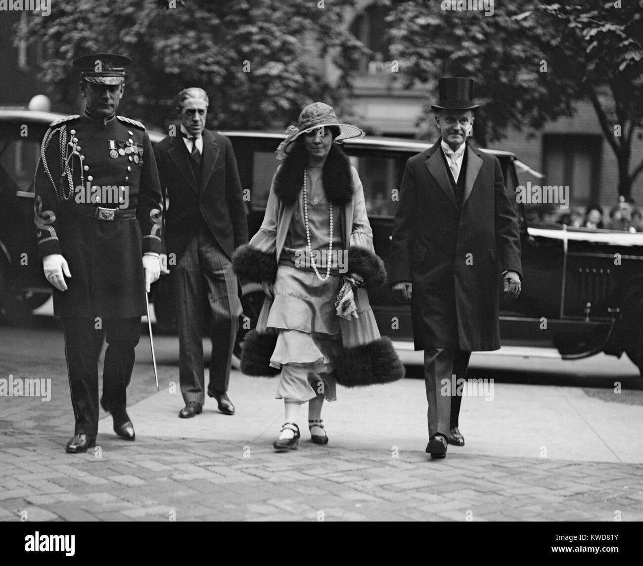 El presidente Calvin Coolidge y la Primera Dama Grace Coolidge llegar a una boda, 14 de mayo de 1924. La hija de Foto de stock