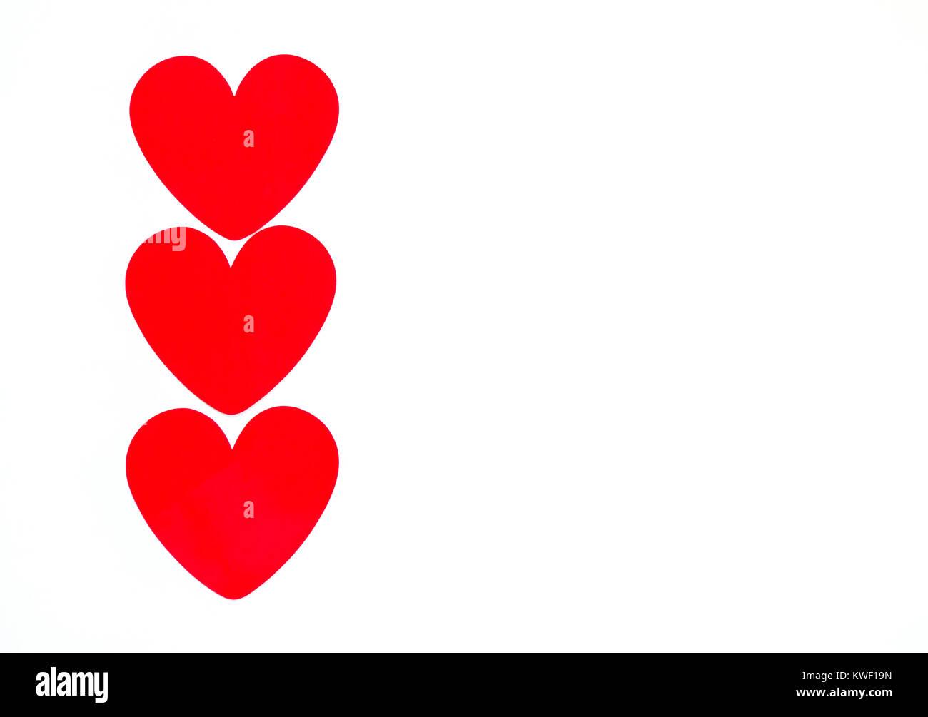 Borde Vertical Fila De Corazones De Color Rojo Brillante Aislado En