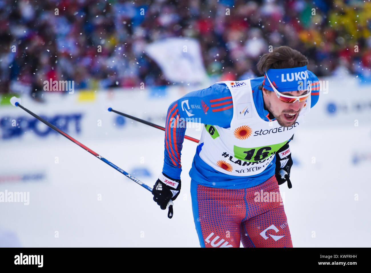 Sergey Ustiugov (Rusia), terminando últimos metros de team sprint, 2017 Campeonatos Mundiales de Esquí Nórdico, Lahti, Finlandia. Su equipo ganó. Foto de stock