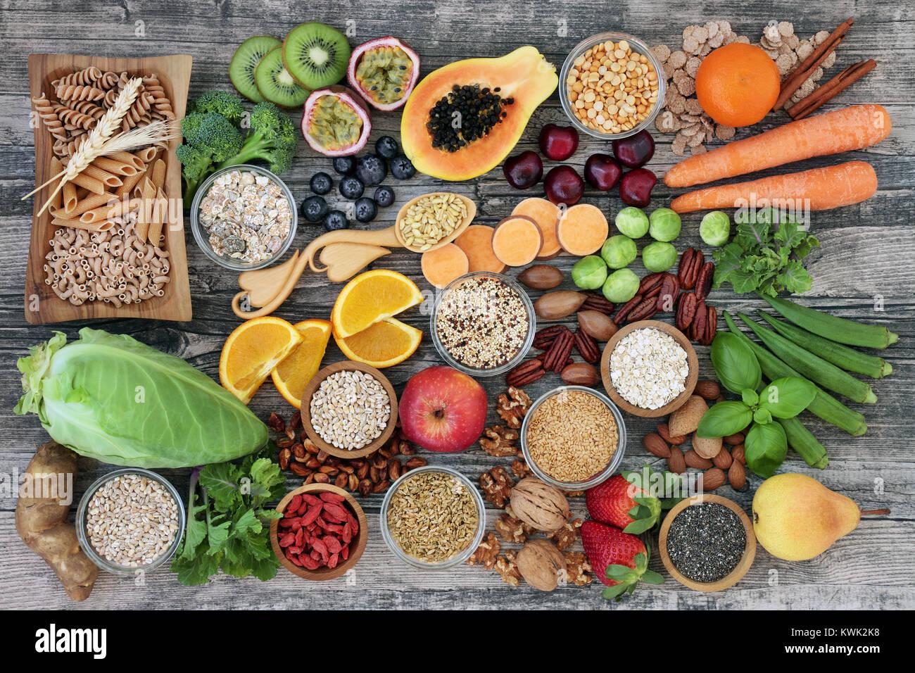 Una dieta alta en fibra alimentaria salud concepto con for Semillas de frutas y verduras