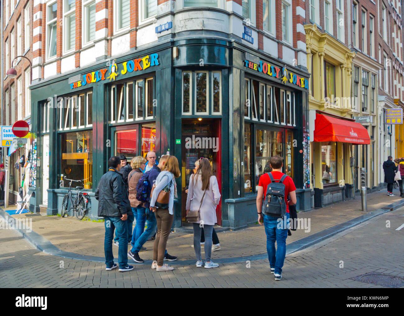 Jolly Joker coffeeshop, Nieuwmarkt, casco antiguo de la ciudad, Ámsterdam, Países Bajos. Imagen De Stock
