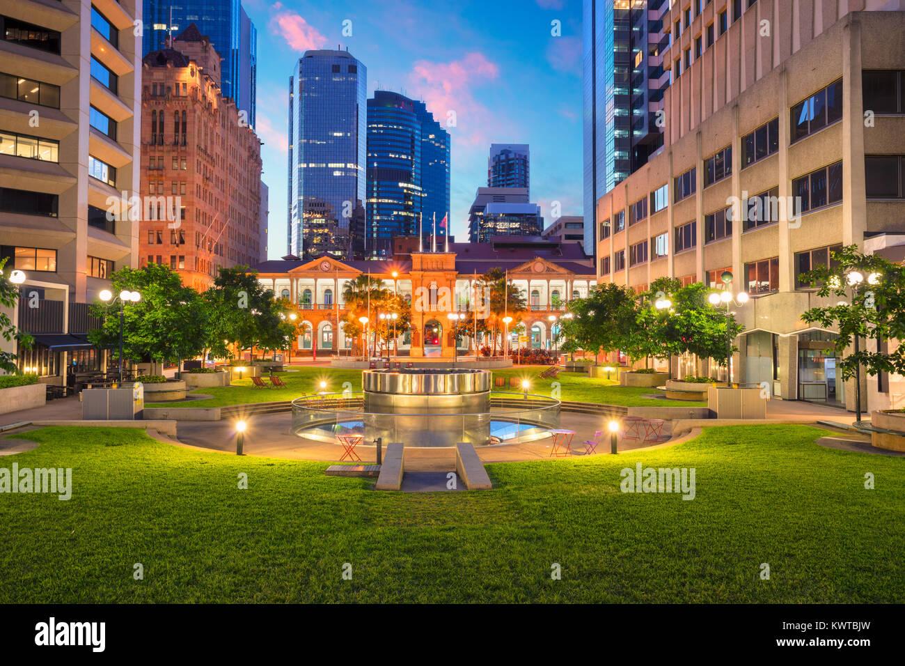 Brisbane. Imagen del paisaje urbano de la Plaza Cívica en el centro de Brisbane, Australia durante el amanecer. Imagen De Stock