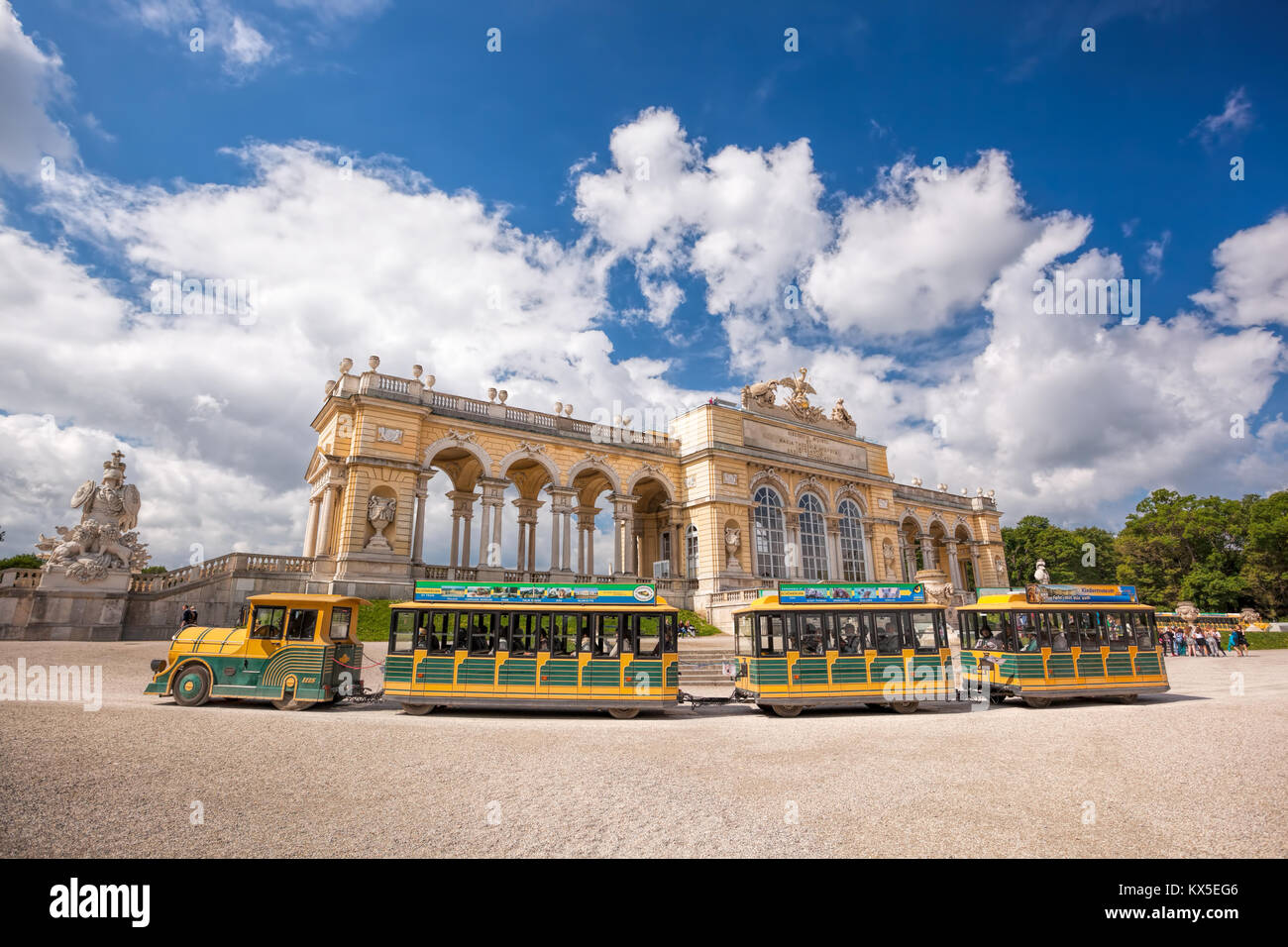 Famoso Gloriette en palacio Schonbrunn, Viena, Austria Imagen De Stock