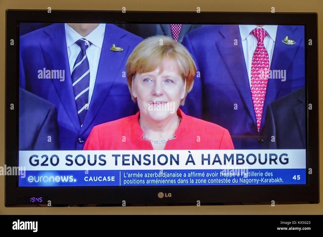 Porto Portugal pantalla de televisión TV Flat Panel Monitor de programa euronews headline G-20 Hamburgo Breaking Imagen De Stock