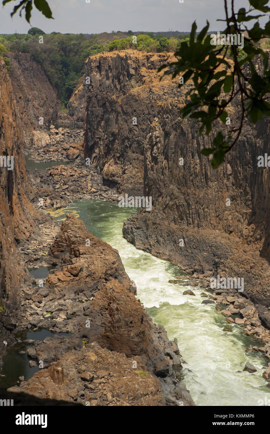 Vista elevada de River Gorge en Victoria Falls, Zimbabwe, África Foto de stock