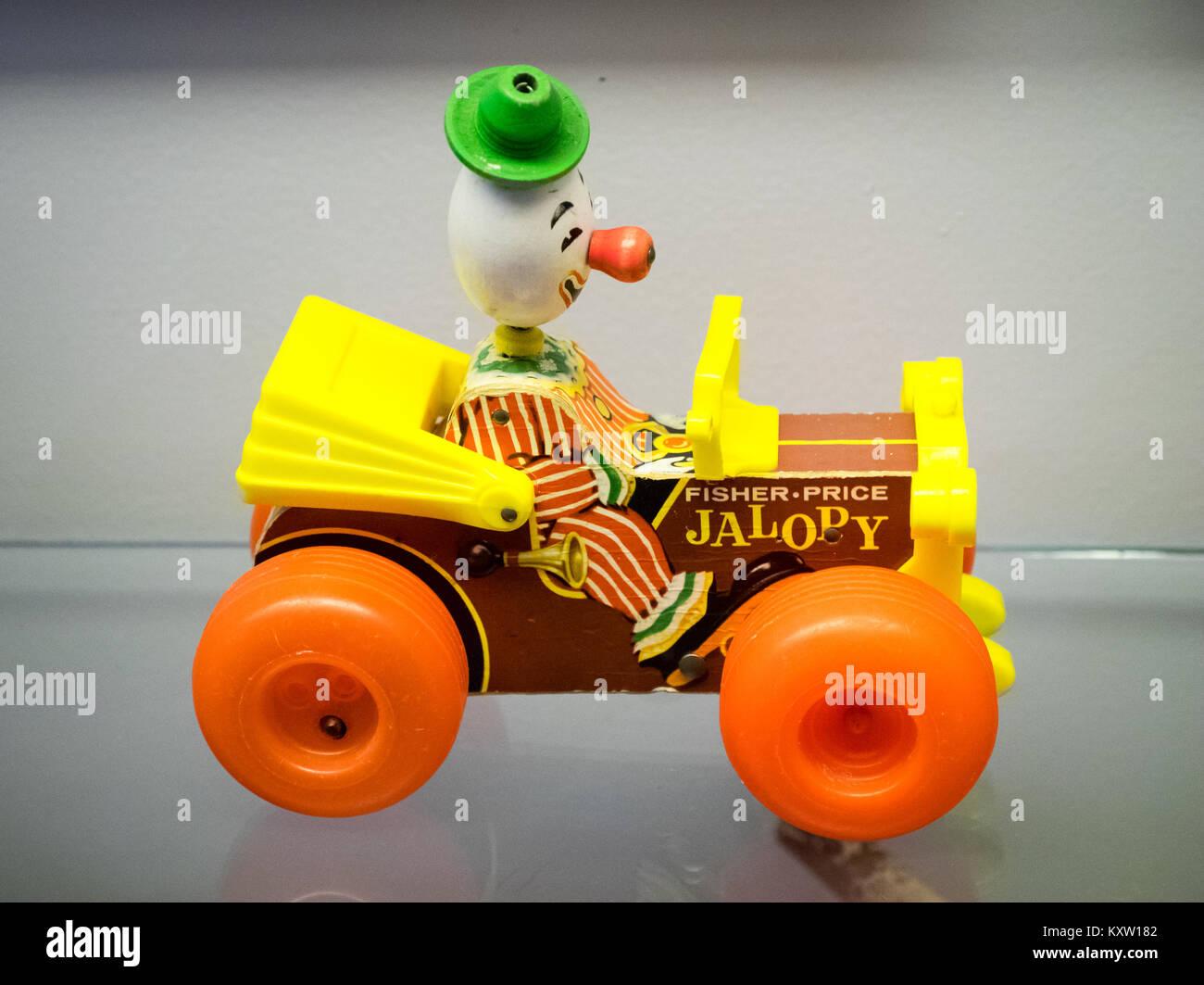 Una Fisher-Price Jolly Jalopy #724, un clásico de juguetes fabricados por Mattel desde 1965-1978. Imagen De Stock