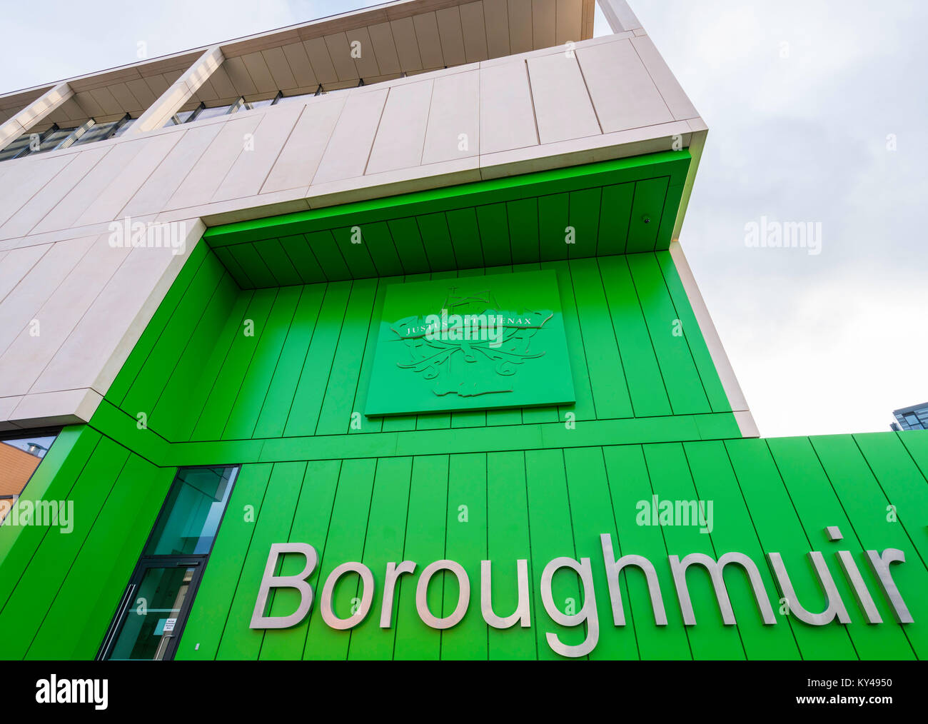 Nuevo completando Boroughmuir High School en Edimburgo, Escocia, Reino Unido. Foto de stock