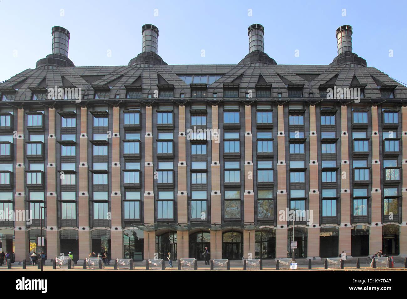 Portcullis House, donde muchos de los miembros del Parlamento del Reino Unido tiene su oficina Foto de stock