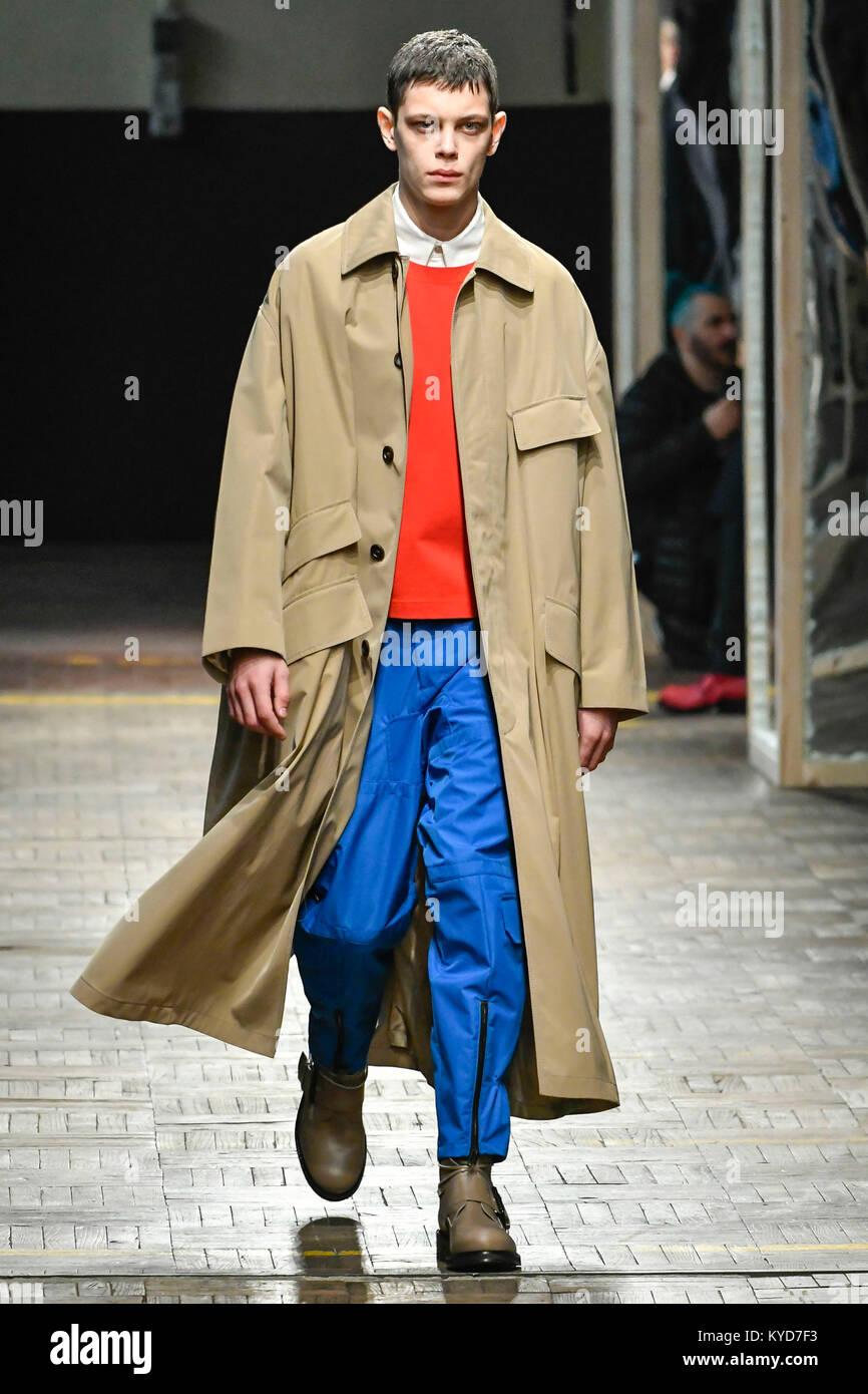 Mil n italia 14 ene 2018 la semana de la moda de mil n - La moda de otono ...