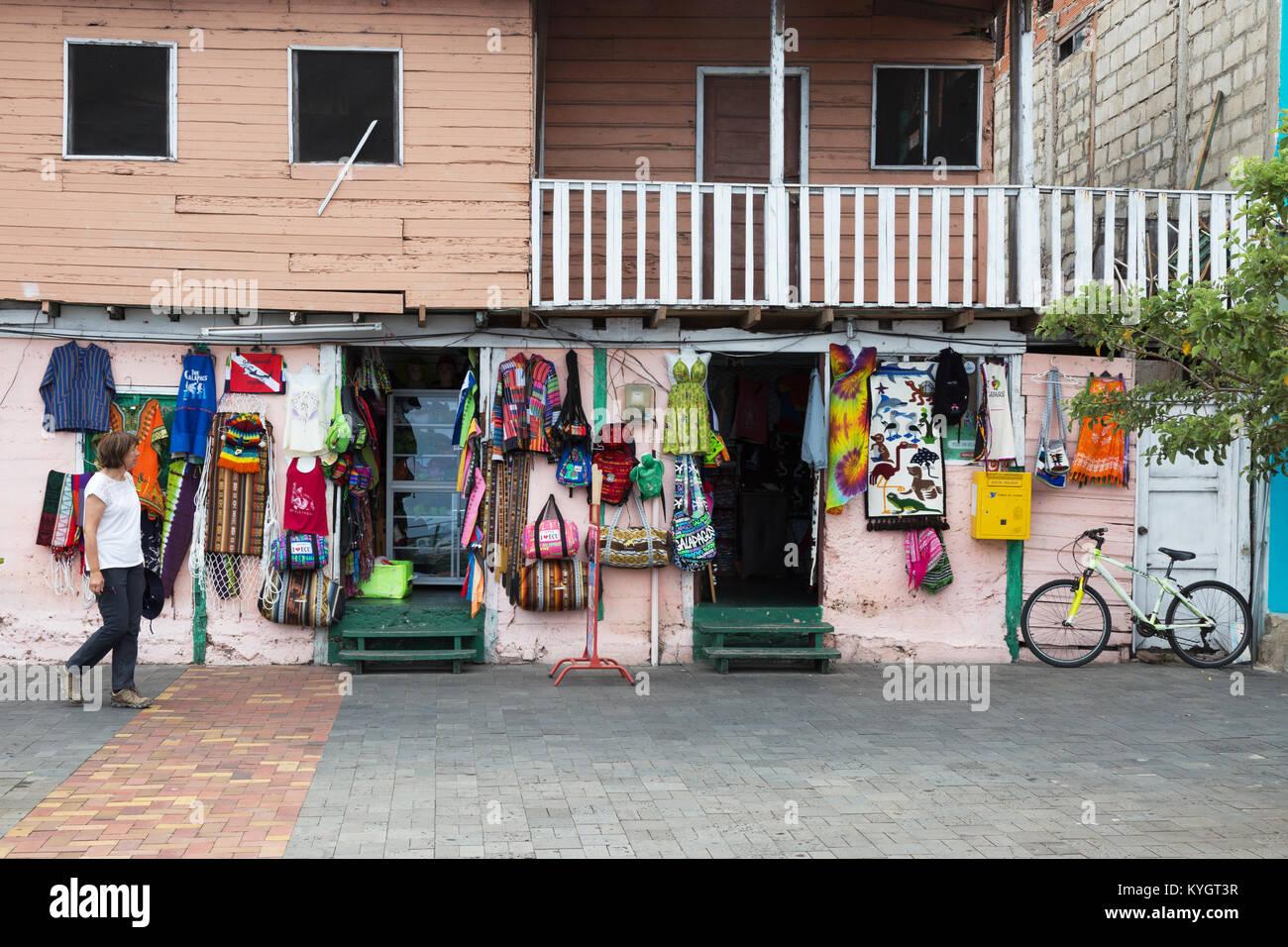 Las tiendas de la ciudad de San Cristóbal, la Isla San Cristóbal, Islas Galápagos, Ecuador Sudamérica Imagen De Stock