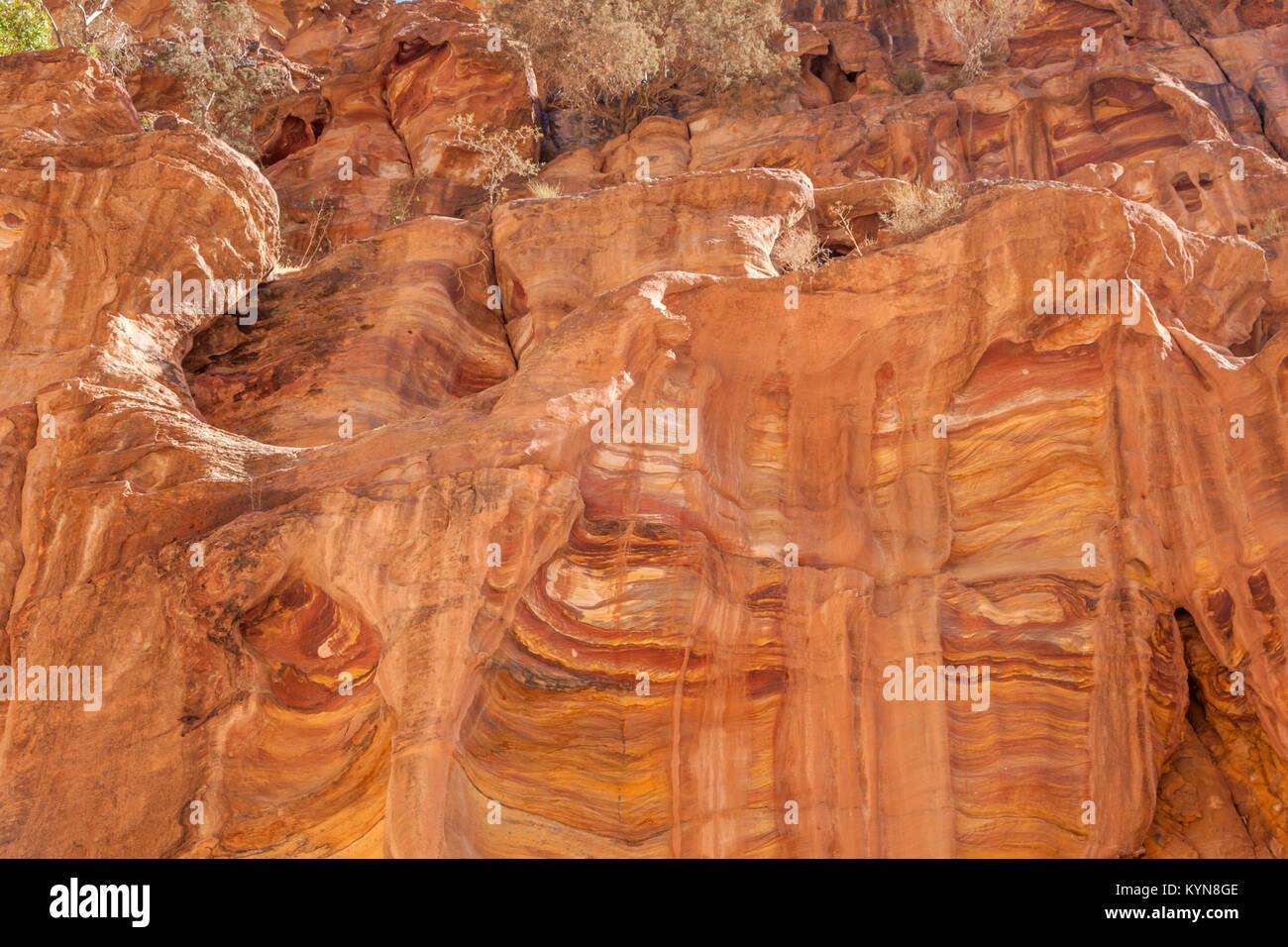 Las rocas de piedra arenisca rosa en Petra, Jordania Imagen De Stock