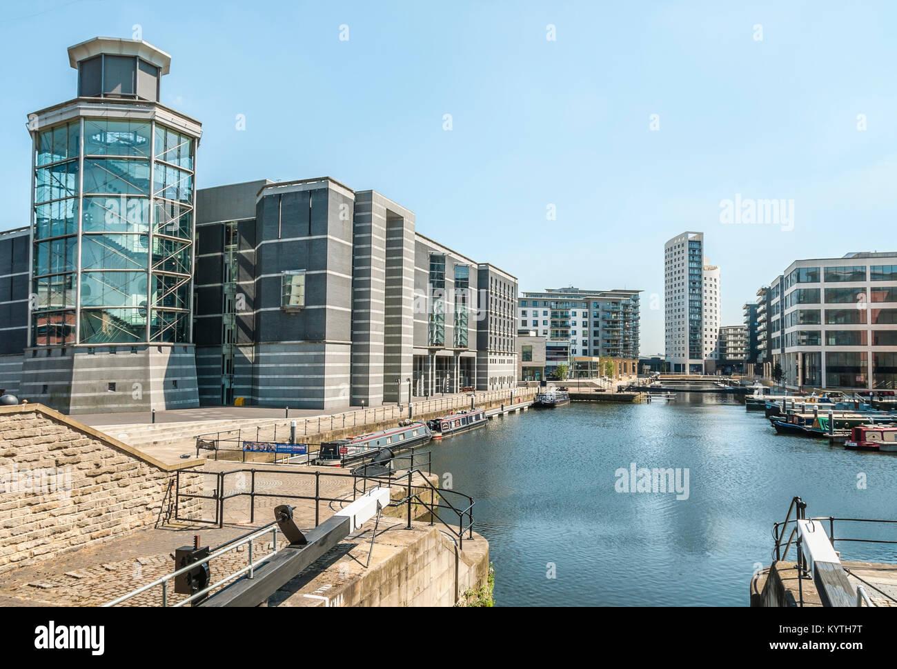 Clarence Dock en Leeds es un destino comercial y de ocio en el centro de Leeds, West Yorkshire, Inglaterra Foto de stock