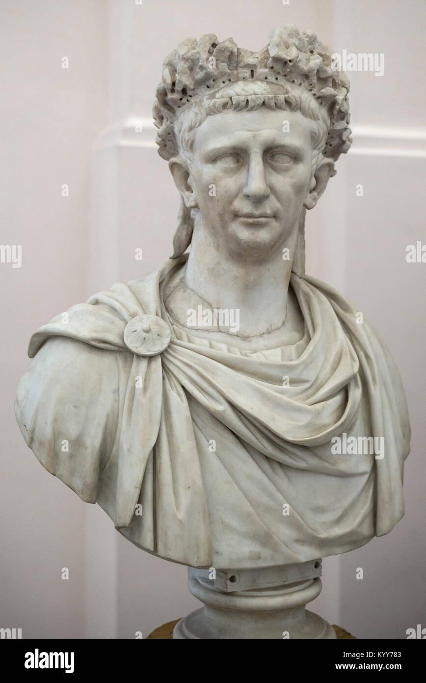 Nápoles. Italia. Retrato busto de mármol del emperador romano Claudio. El Museo Archeologico Nazionale di Napoli. Foto de stock