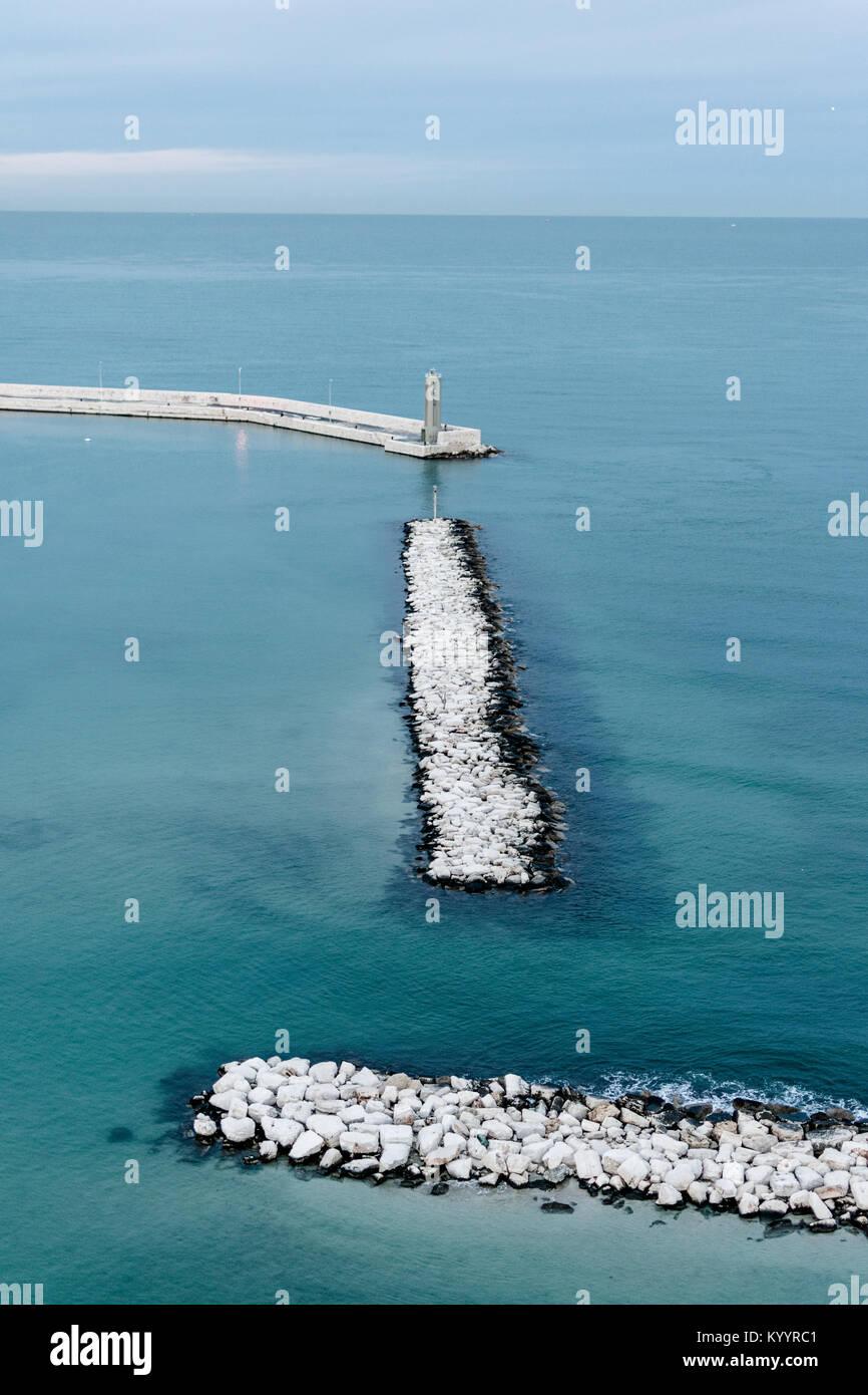 Puerto de Bari, visto desde la rueda Imagen De Stock