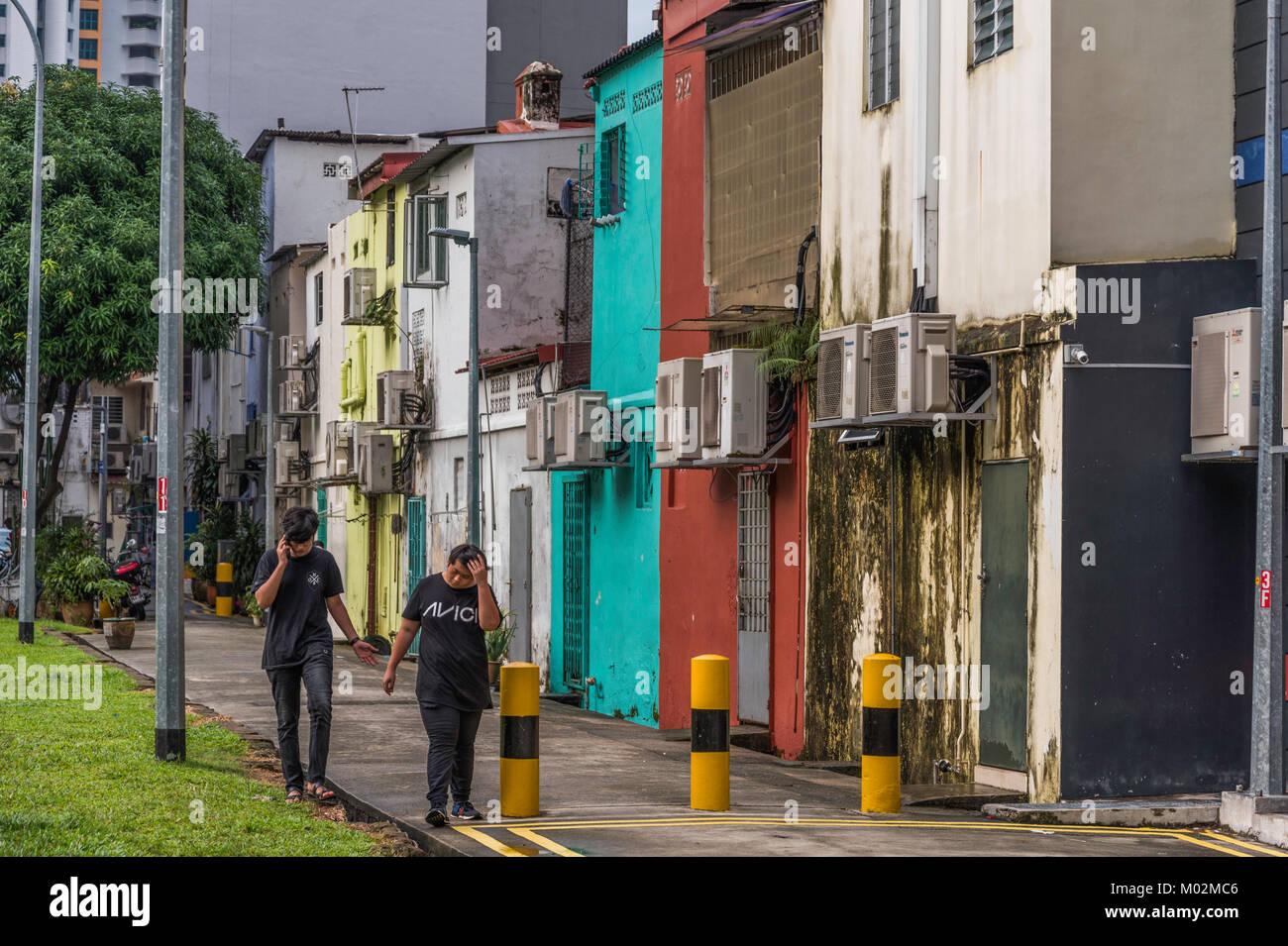 La gente en las calles de Little India, Singapur Imagen De Stock