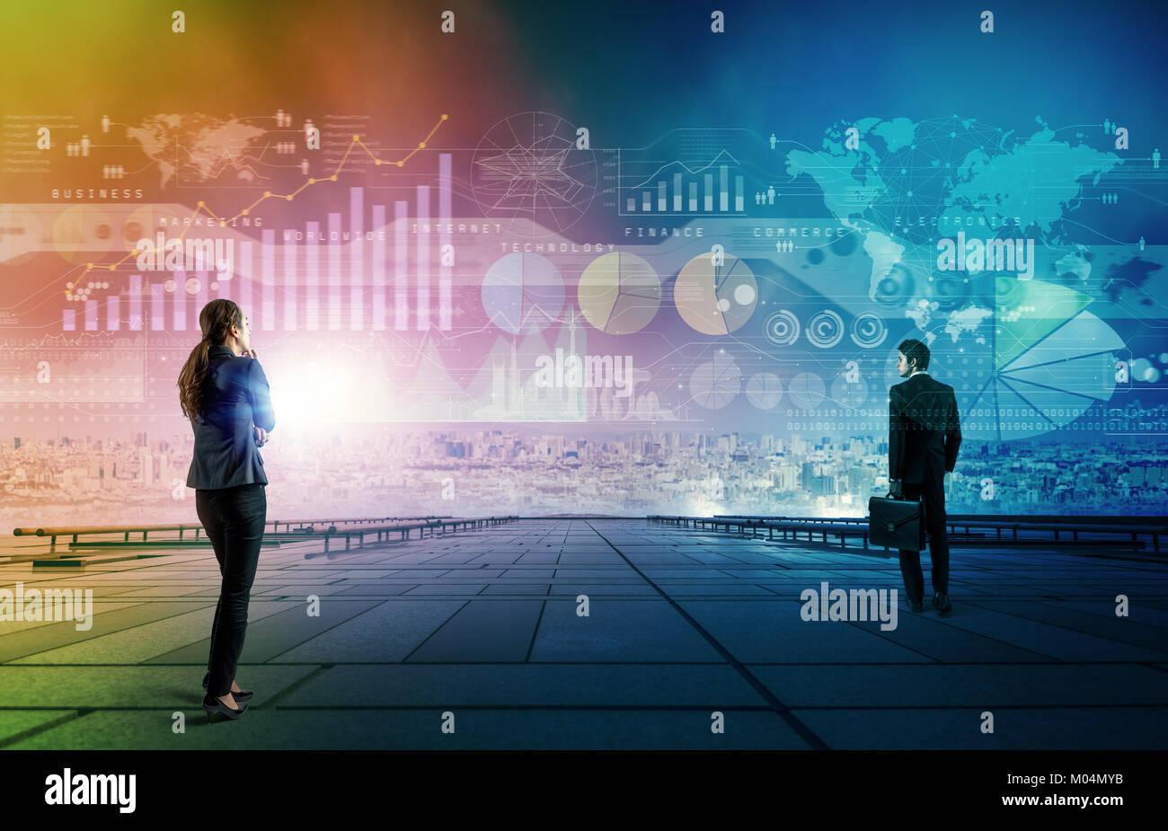 Empresario y empresaria mirando información empresarial. Resumen de medios mixtos. Imagen De Stock